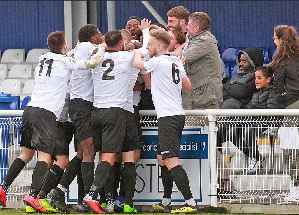 Unbelievable scenes! @D_OrsiDadomo celebrating a last minute winner for @HungerfordTown with the Coda family in the crowd.  Just moments earlier Danilo had also drawn Hungerford level from the penalty spot.   Danilo at the double once again 😉🙌🏼