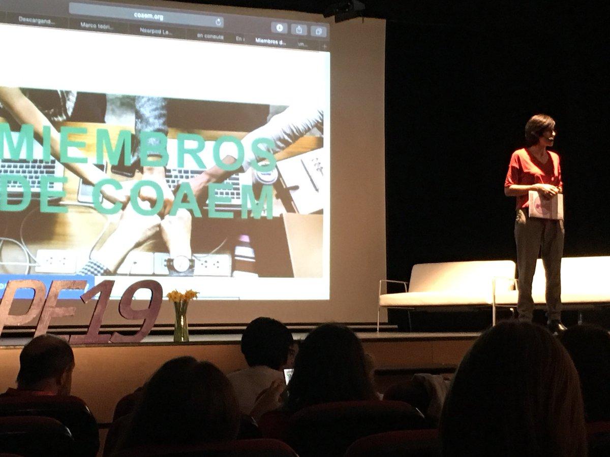 Ahora mismo nuestra Presi Almudena Vidal, presentando @coaemcoaem en el congreso @C_ConEuterpe!