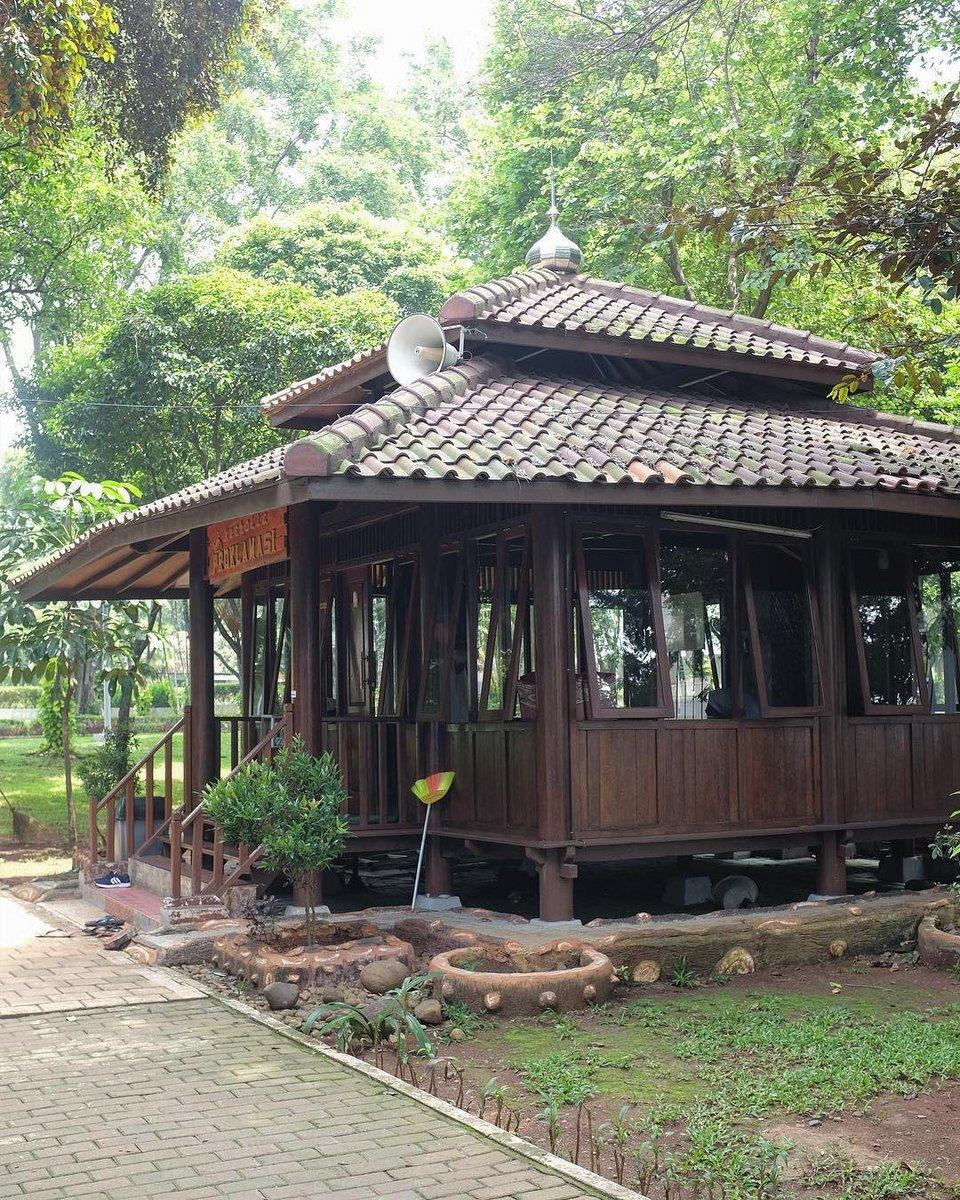 Pemprov Dki Jakarta Vaksindulu A Twitteren Taman Proklamasi Merupakan Sebuah Taman Yang Diresmikan Pada Tanggal 17 Agustus 1946 Tempat Ini Merupakan Lokasi Pembacaan Teks Proklamasi Https T Co Vyuejztm7n Dkijakarta Temantamanjakarta
