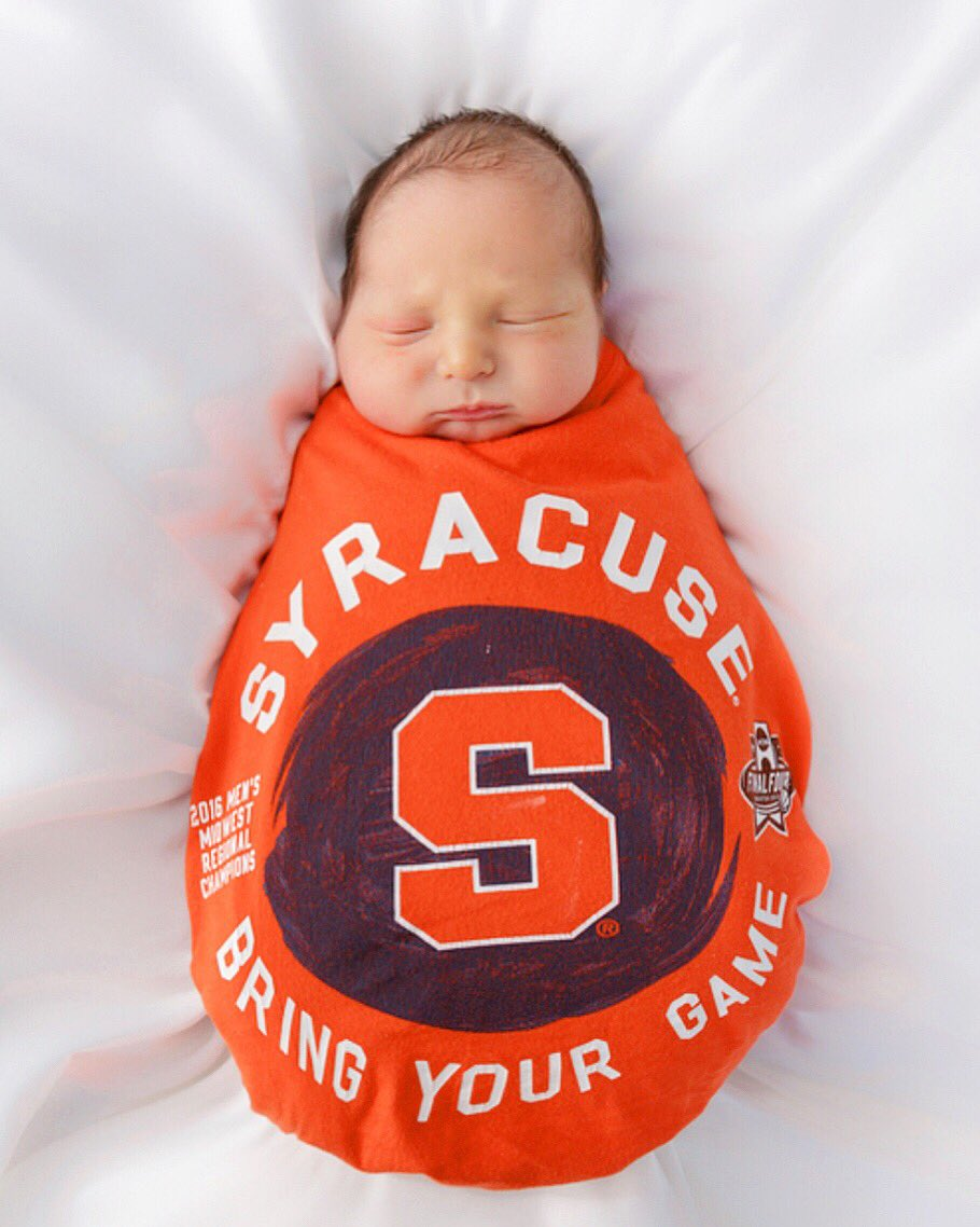 You know, @Cuse may have lost a shot at a #FinalFour this week, but they gained a new fan in the form of this adorable little orange. 🍊Currently clementine-sized.👌🏻Brock is ready to cheer on @SyracuseU next season! Thank you everyone for the kind words.🙏🏻 He's Home safe & sound!