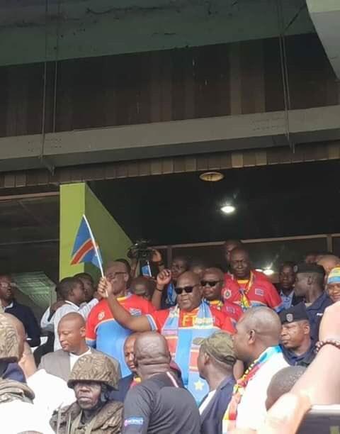"#RDCLIB : Le President Felix TSHISEKEDI au Stade 🏟 pour supporter les Leopards 🐆 et le peuple chantent ""Ehh ehh KABILA Te, ehhh ehh FELIX nde MOKONZI """