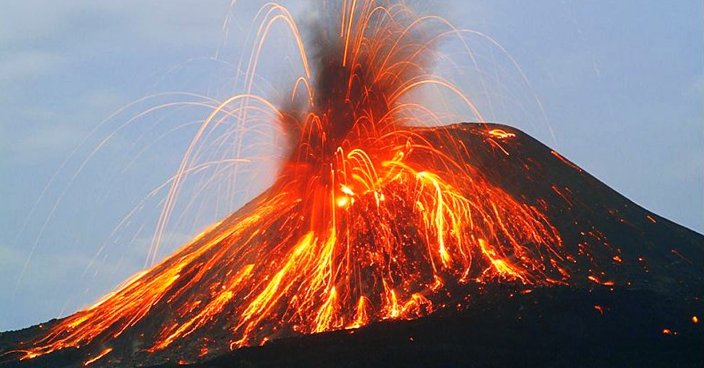 #blogsicilia Stromboli è sede del più attivo dei vulcani europei, con spettacolari e frequenti eruzioni.