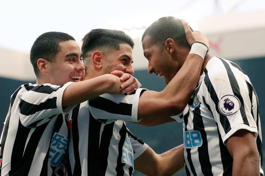 Follow & RT to win a pair of tickets to @NUFC vs Crystal Palace at St James' Park on Saturday 6th April!   Winner picked at random and announced later in the week! 👍  #NUFC