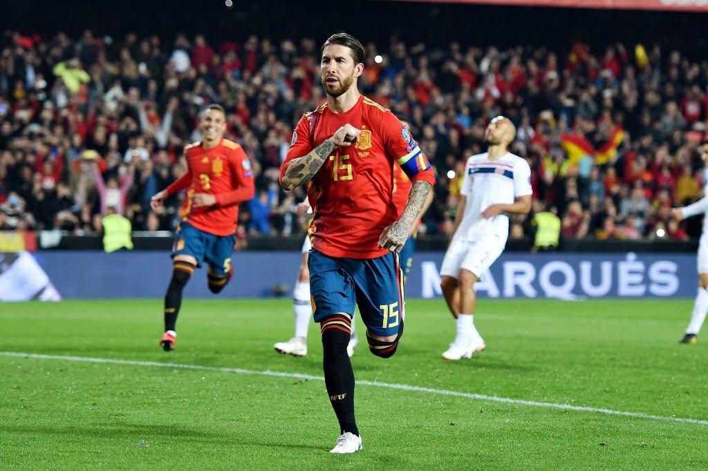 Sergio Ramos, celebrando su gol ante Noruega.
