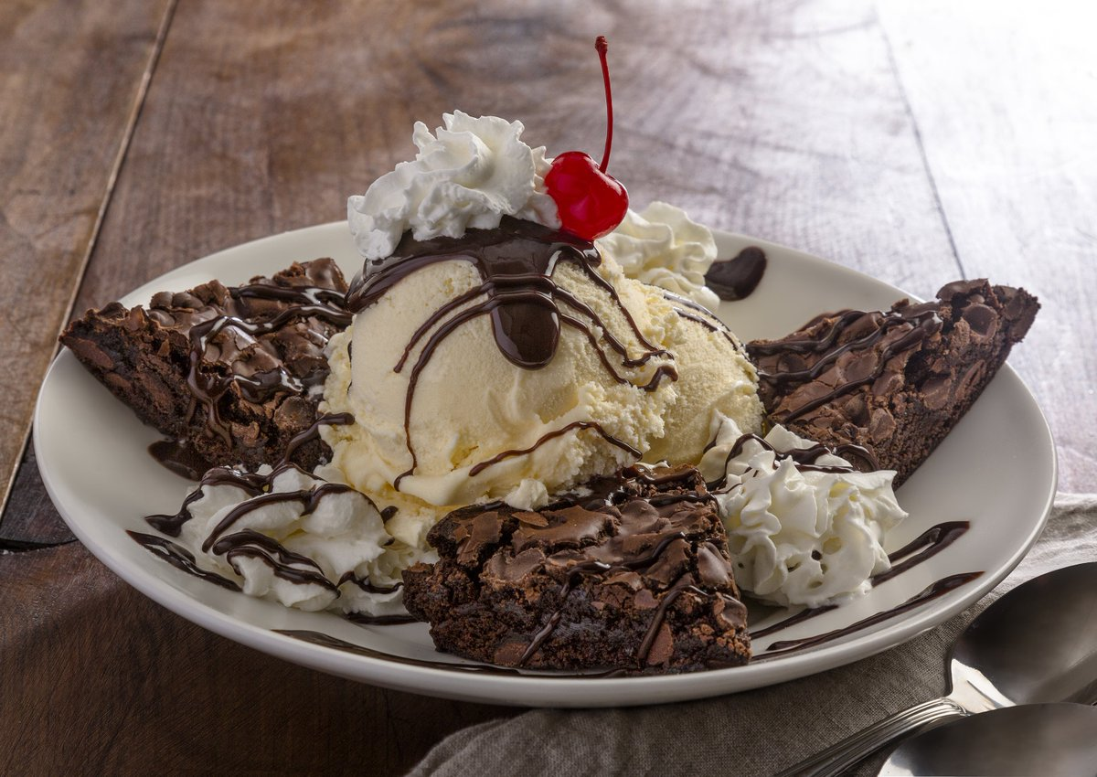 mcdonalds turtle brownie sundae - HD 1200×850