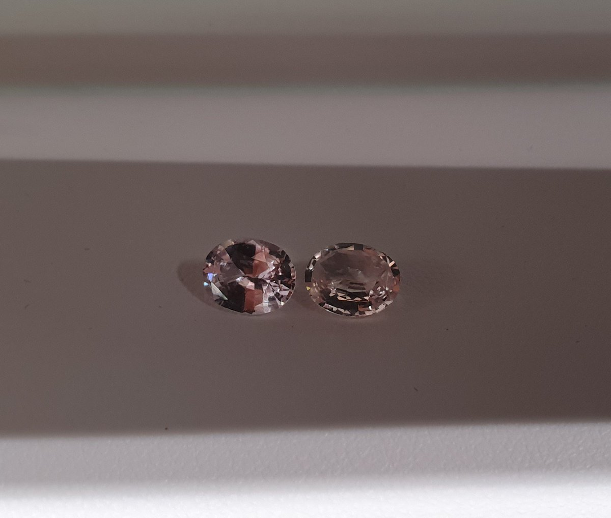 https://www.instagram.com/p/BvZkGPen7RR/  We are the leading supplier of coloured gems. Here are 2 beautiful 1.25ct unheated Ceylon sapphires. Visit our website for more info.  #LondonDE #LDE #Ceylonsapphire #peachsapphire @londondande #SriLankasapphire #emerald #emeralds #sapphire #Padparadschapic.twitter.com/wElrhh1f4I