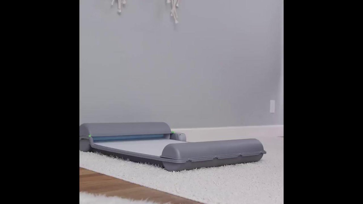 Image for the Tweet beginning: This automatic puppy pad keeps