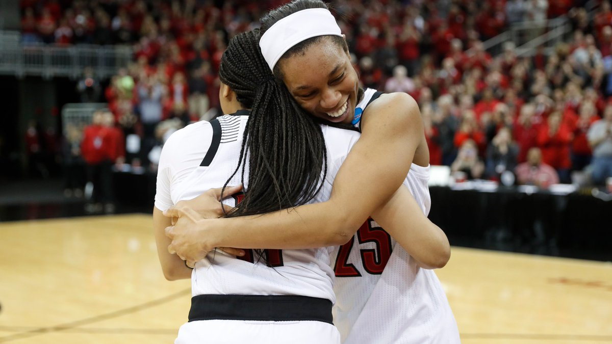 RT @UofLWBB: Embrace the moment.  #ncaaW #GoCards https://t.co/IXW9NoZxDH