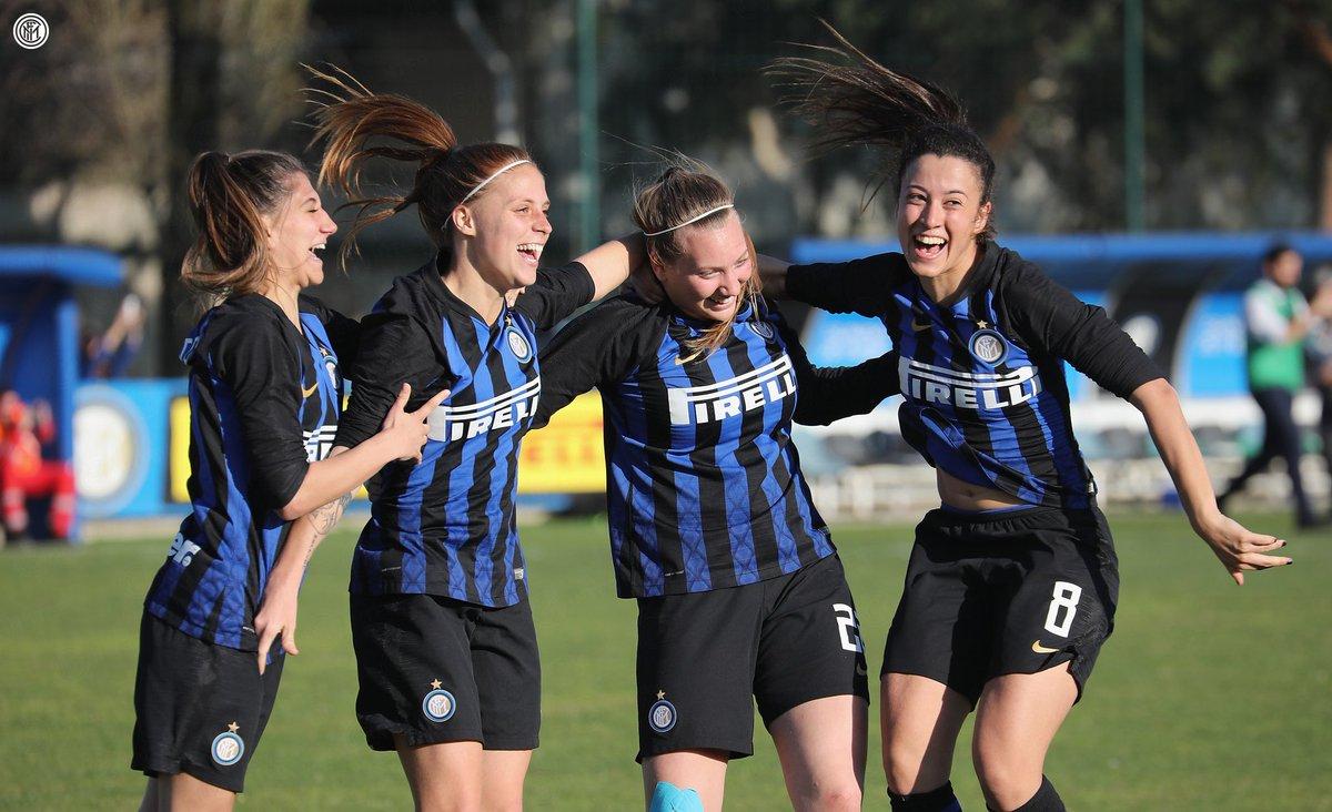 🙌 | PURE JOY!   The full photo gallery of Inter Women's promotion celebrations 👉 https://bit.ly/2ur8Nko 📸  #InterWomen #ForzaInter
