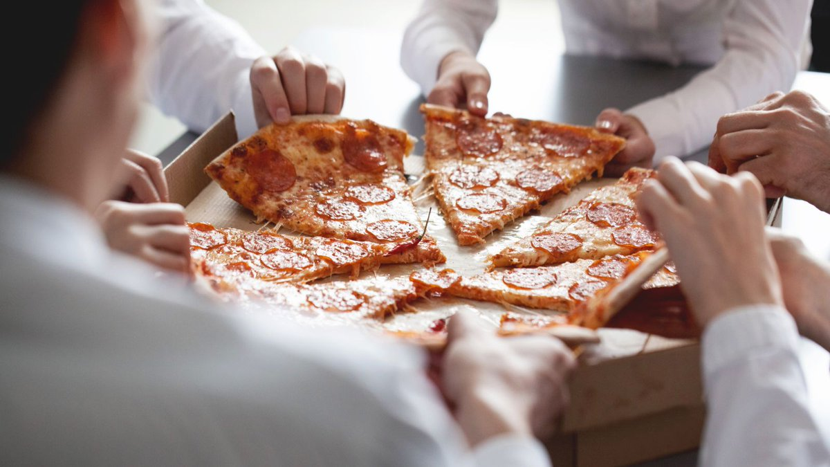 Maybe pizza isn't the ideal food to serve at meetings trib.al/PegyQg7
