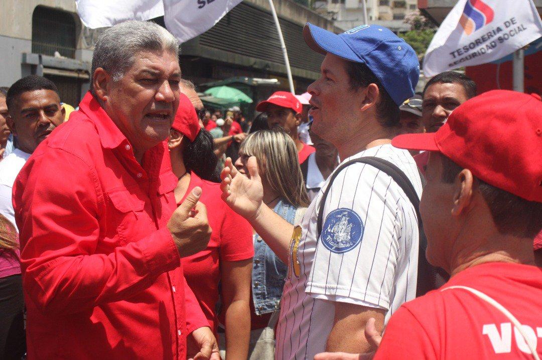 RT @AlvaroPSUV: #OPINIÓN Por Eduardo Piñate --->> El informe Bachelet y la guerra https://t.co/29oKW9F1TW  https://t.co/d7uxjheweV  #Venezu…