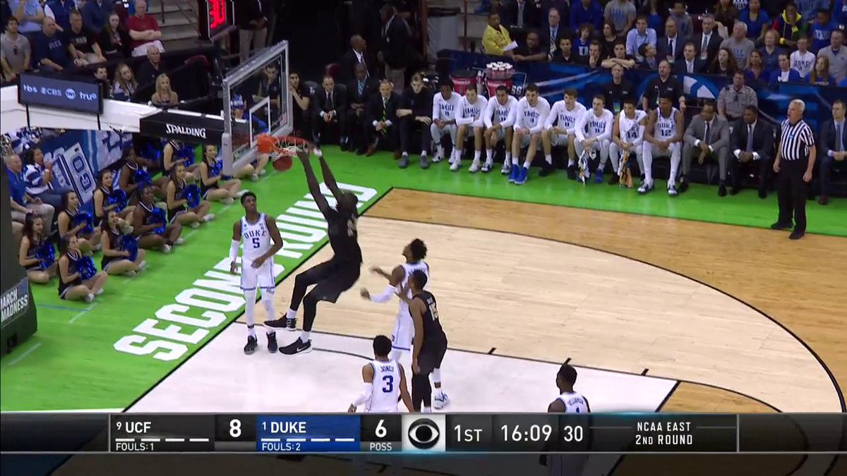 Advantage, Tacko.  (via @marchmadness)