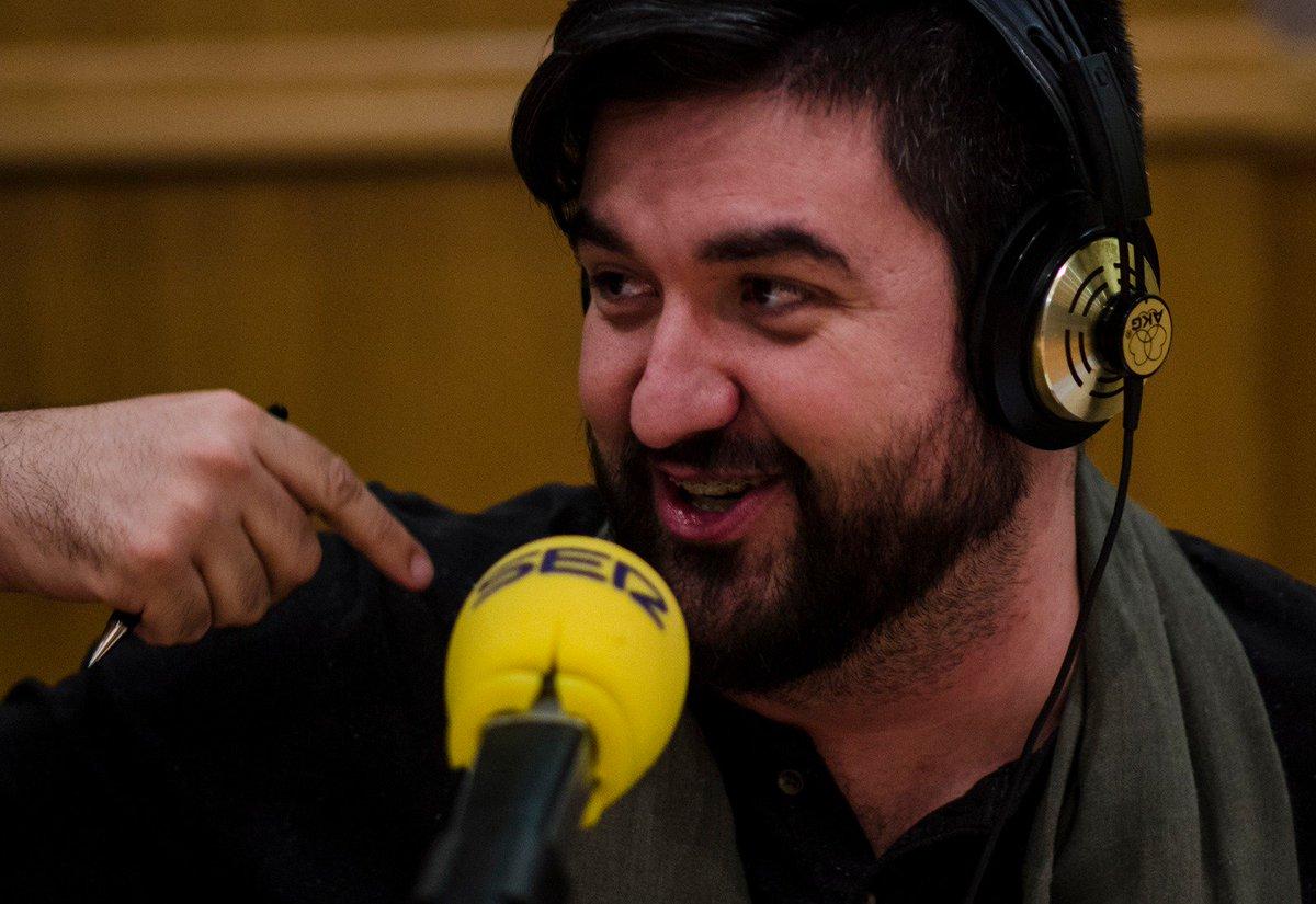 Esta noche a las 22h vuelve #ZafarranchoVilima a @RadioSevilla @La_SER Hablaremos de las canciones de excursión de antes. Estará con nosotros todo el programa como un vilimero más el gran @_ManuSanchez_ Óyelo en 96.5 FM