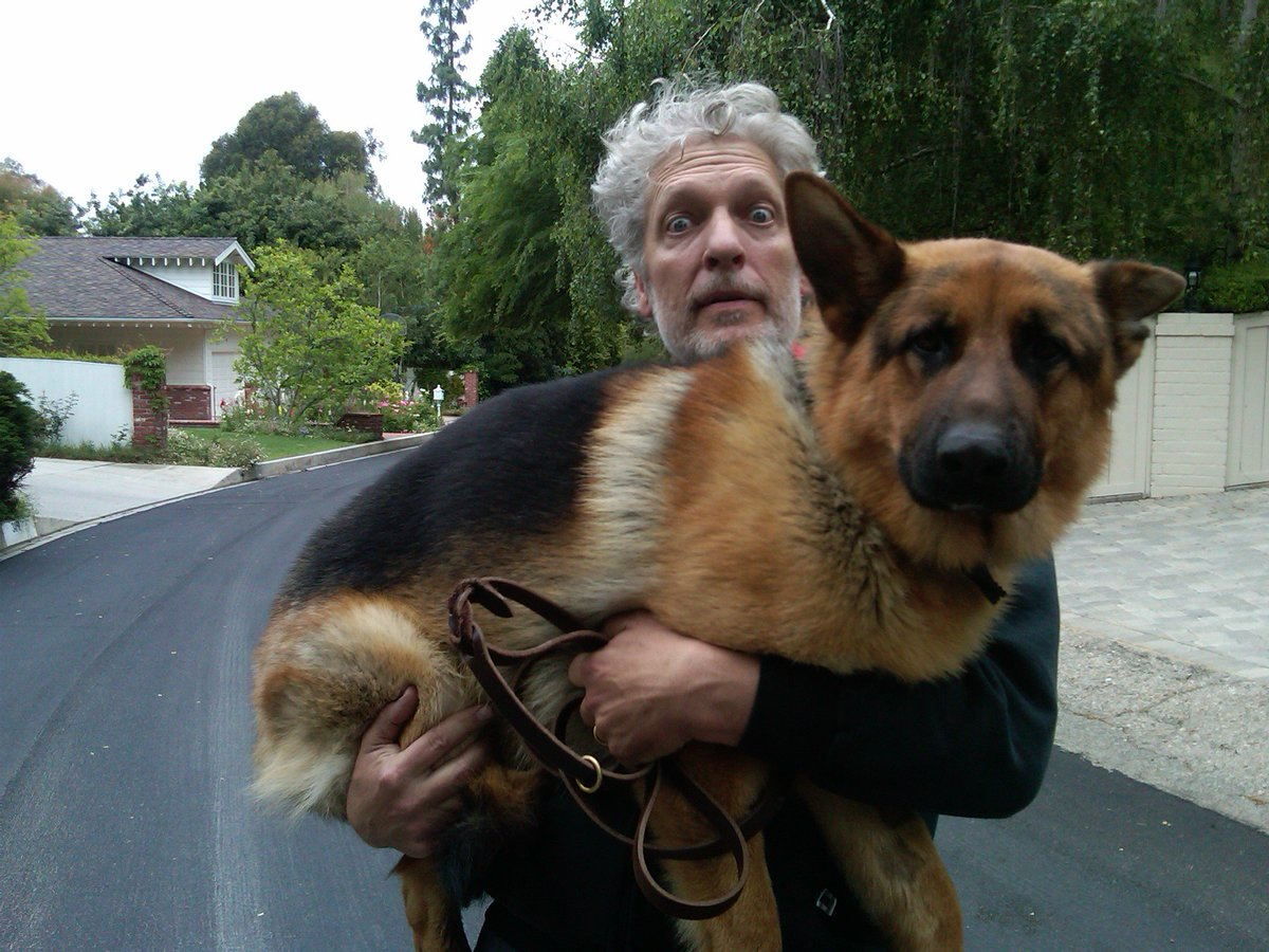 RT @RealClancyBrown: #NationalPuppyDay https://t.co/AbE9D8gF64