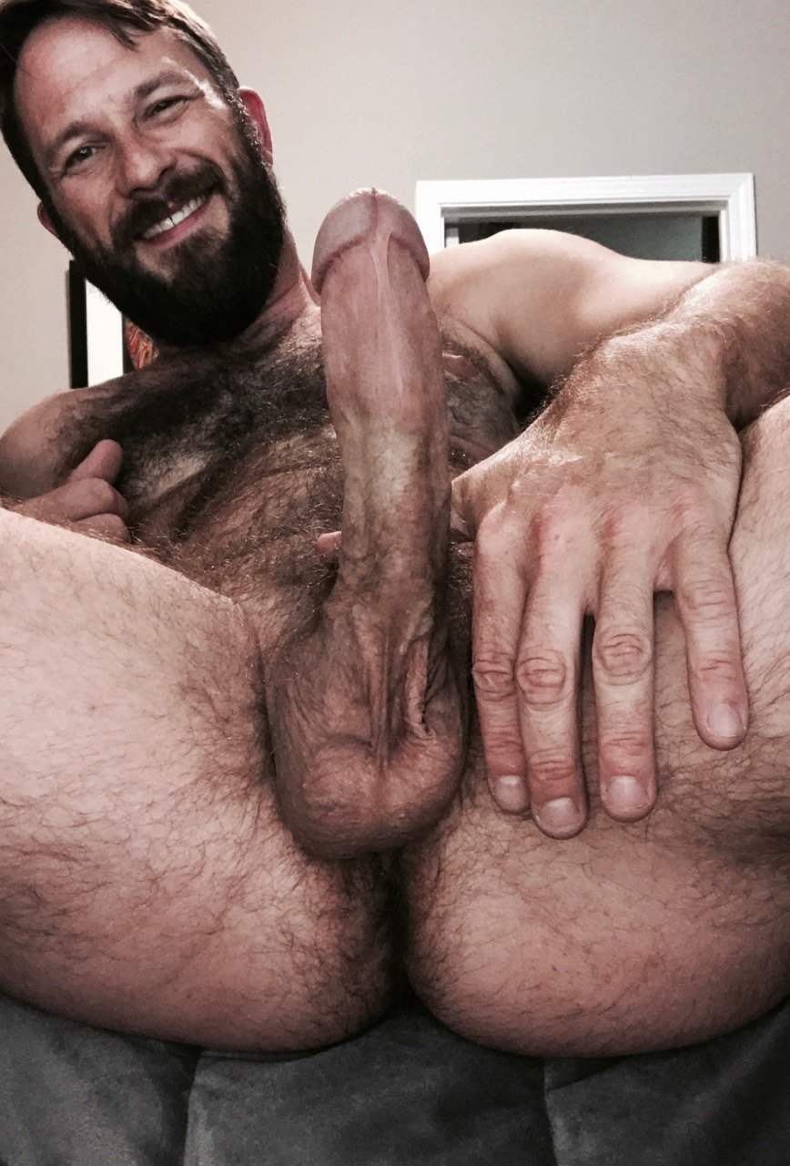 Young hairy nude men jerking pics