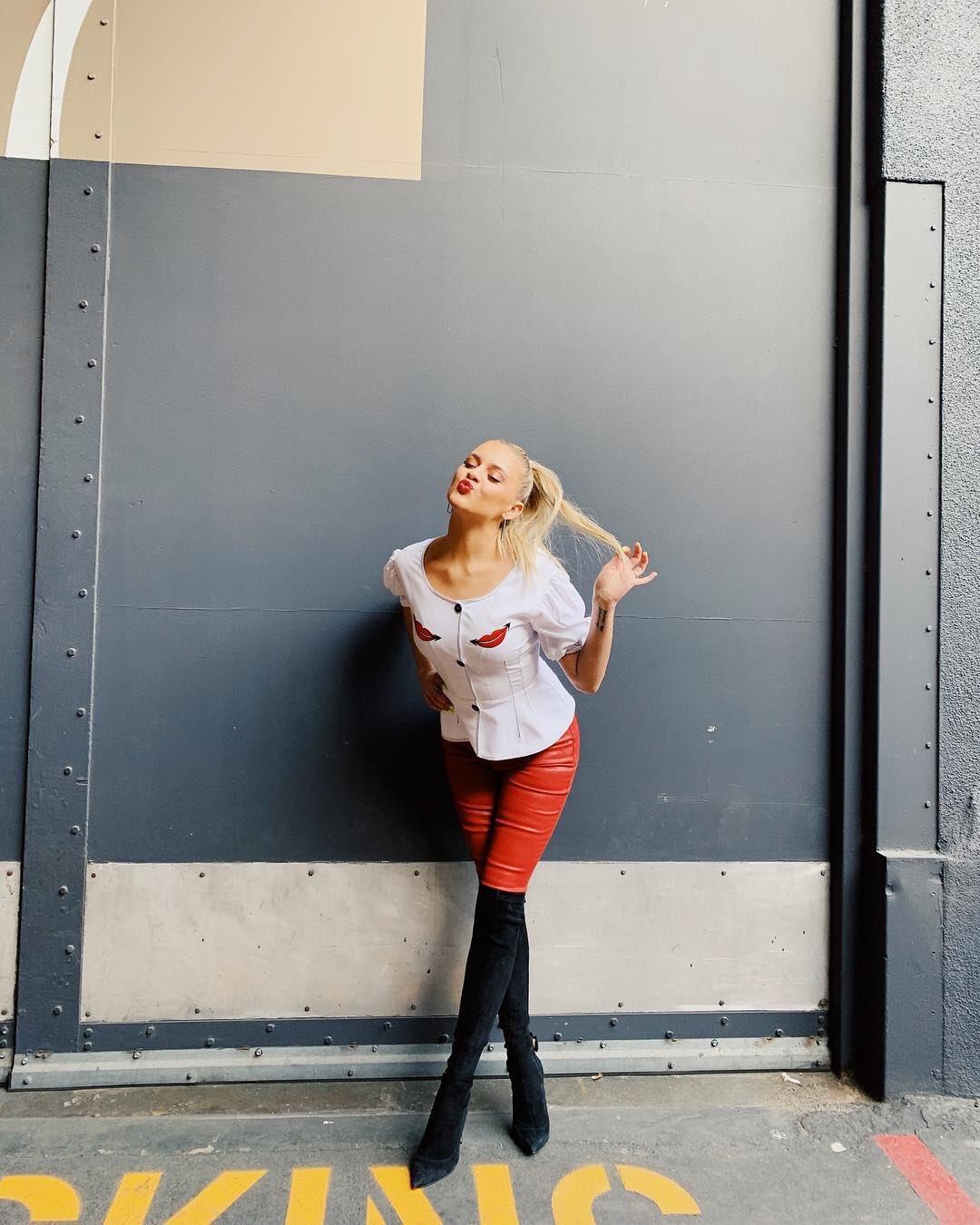 kelsea ballerini @ KelseaBallerini