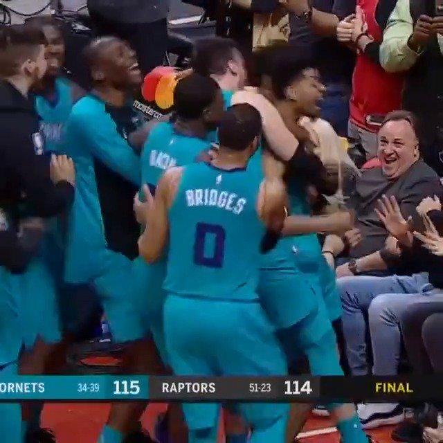 Charlotte Hornets - Toronto Raptors: NBA-basketballer Jeremy Lamb scoort winnende shot tijdens buzzer