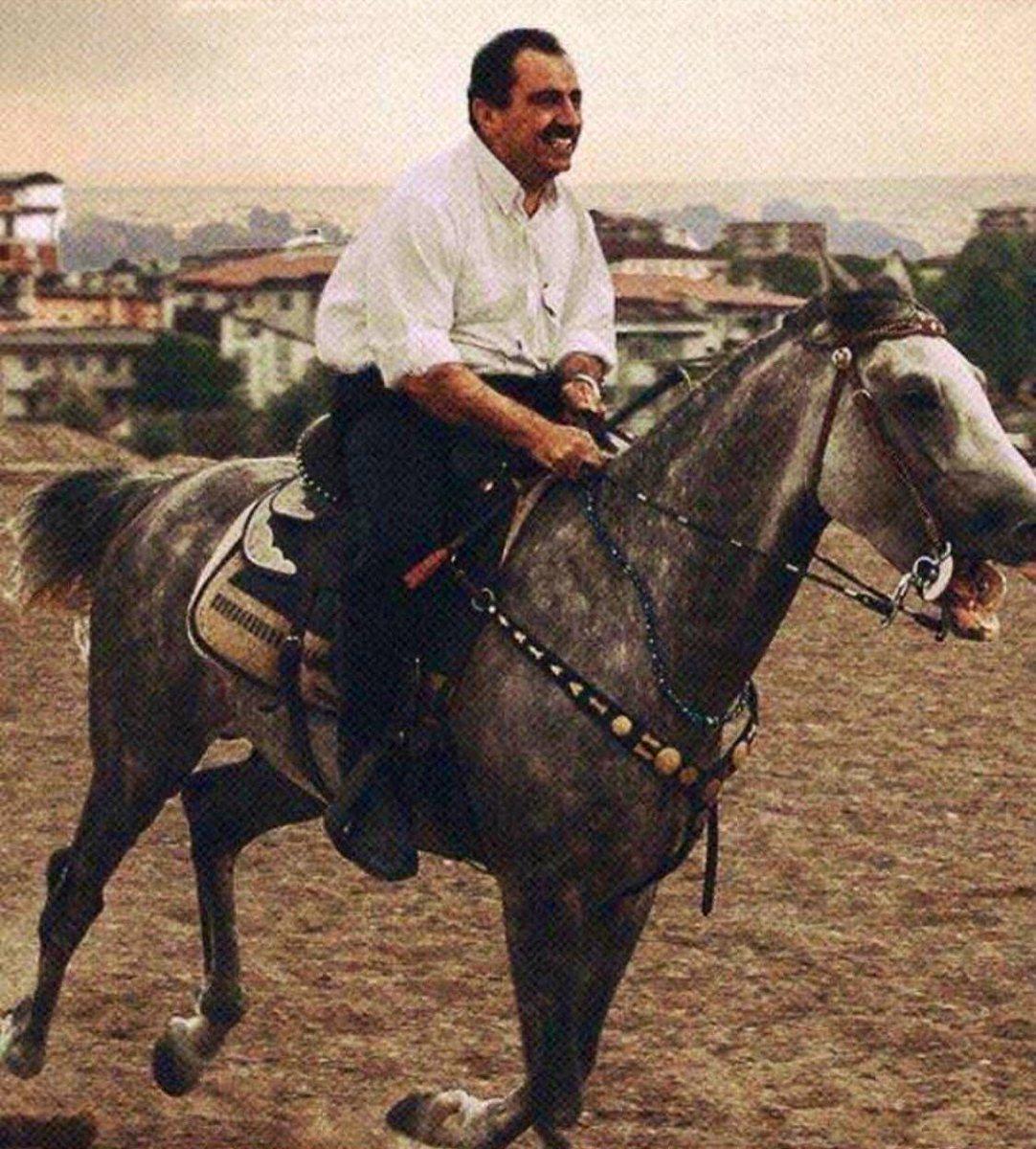 Mehmet Aslan's photo on #MuhsinYazcıoğlu