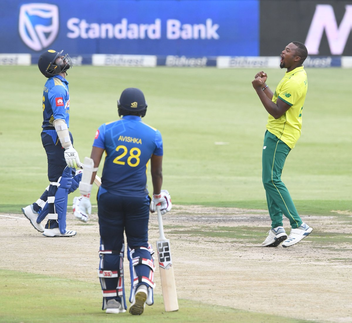 D2fetzKX4AA94hG - ICC T20I Rankings: Hendricks pushes WC case with strong series against Sri Lanka