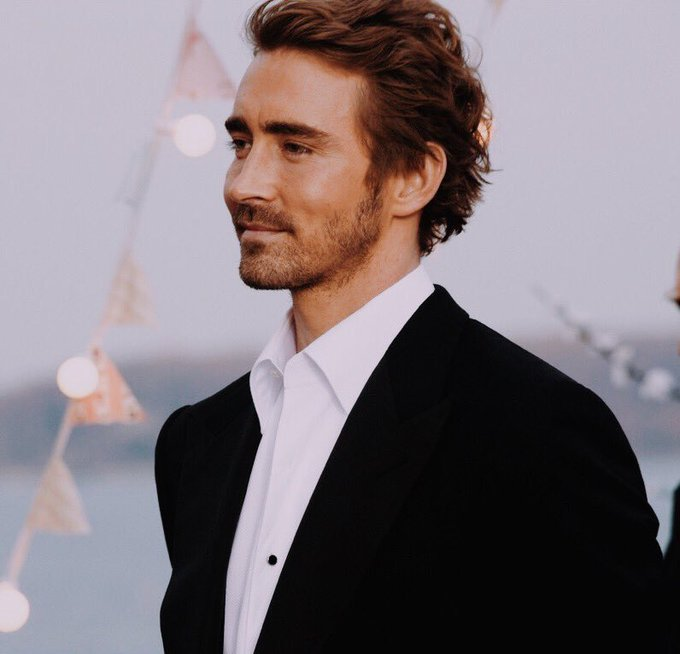 Happy birthday Lee Pace ! Thank you for giving us amazing performances of iconic characters