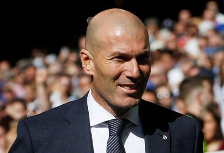 """Zidane (recordando su época de jugador): """"Nunca hice el idiota en los bares... ¡¡solo bebía agua!!"""" 😳😮  https://bit.ly/2Fvv8SZ  #Zidane"""