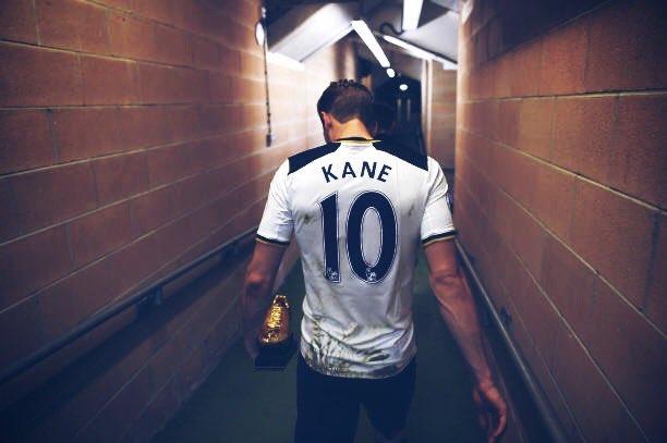 Sé que es muy difícil sacarlo de donde está pero imagínatelo vestido de blanco marcando en el Bernabéu. Es el killer que necesitamos.