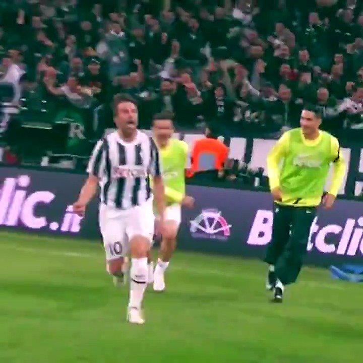 👅 @delpieroale. 🏆 Segna un gol decisivo nella corsa scudetto. 🇮🇹 All'Allianz Stadium nel derby d'Italia.  Quanti likes per questo #GoalOfTheDay?