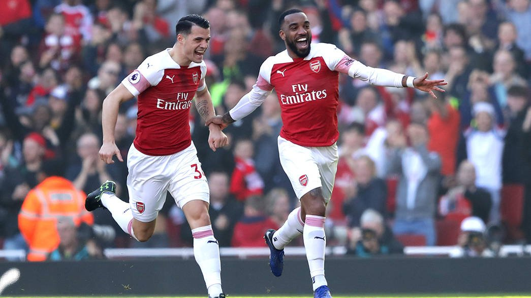 Alexandre Lacazette's premier league season:   ✅12 goals 7 assists (0 pens) ✅Goal/Assist at least once every 2 games ✅9/12 goals when the team was losing/drawing ✅4 penalties won ✅Goals against Chelsea, Liverpool and Spurs ✅Work rate, team man & coming in clutch  My POTS.