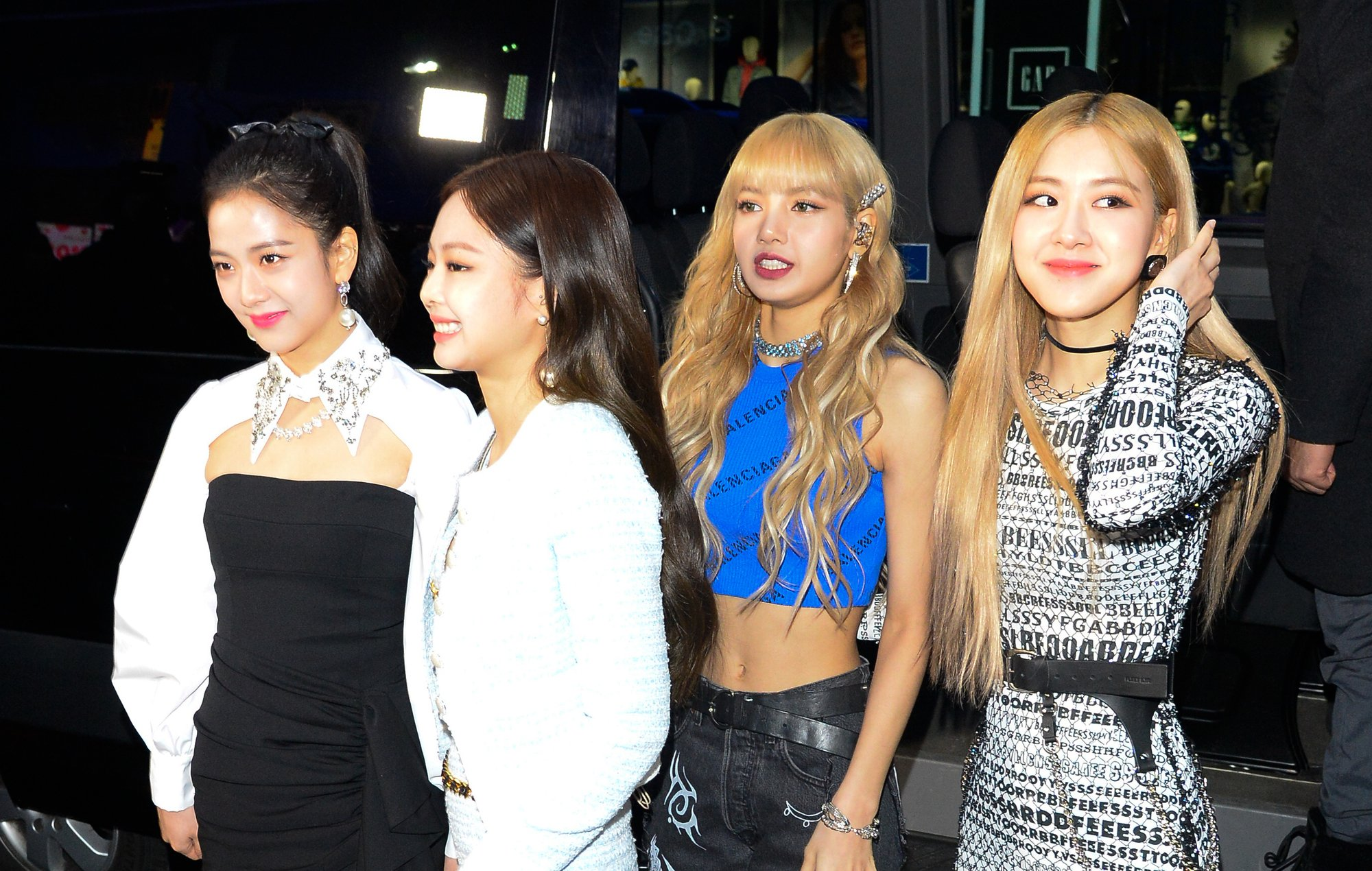 BLACKPINK (@ygofficialblink)announce new single and EP 'Kill This Love' https://t.co/kKCyoacnvu https://t.co/VAEraL9CLk