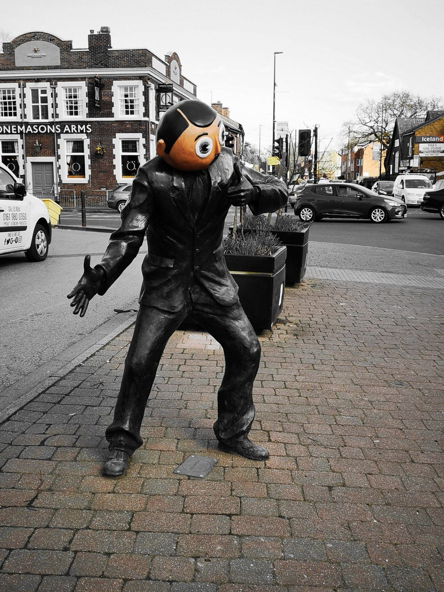I'm at Frank Sidebottom https://t.co/LwEqlDFvH0 https://t.co/R2ul4K1YT2