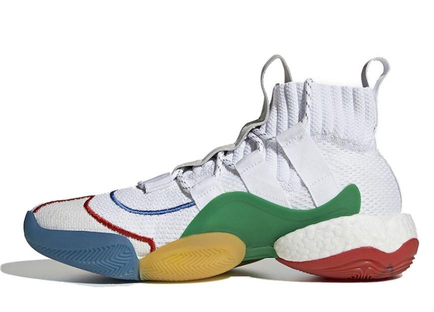 "48fb0d04019 ... £139 adidas YEEZY BOOST 350 V2 ""Clay"" - 30th Mar -  220 Air Jordan 3  Tinker ""White University Red"" - 30th Mar -  200  adidas  pic.twitter.com SZ4Wx3HeV7"