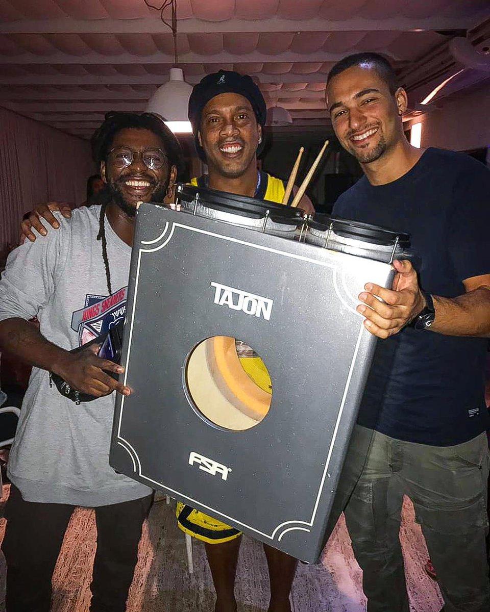 Presente dos meus professores!! 🤙🏾 🎶 Dedé Silva e Danilo Amuedo