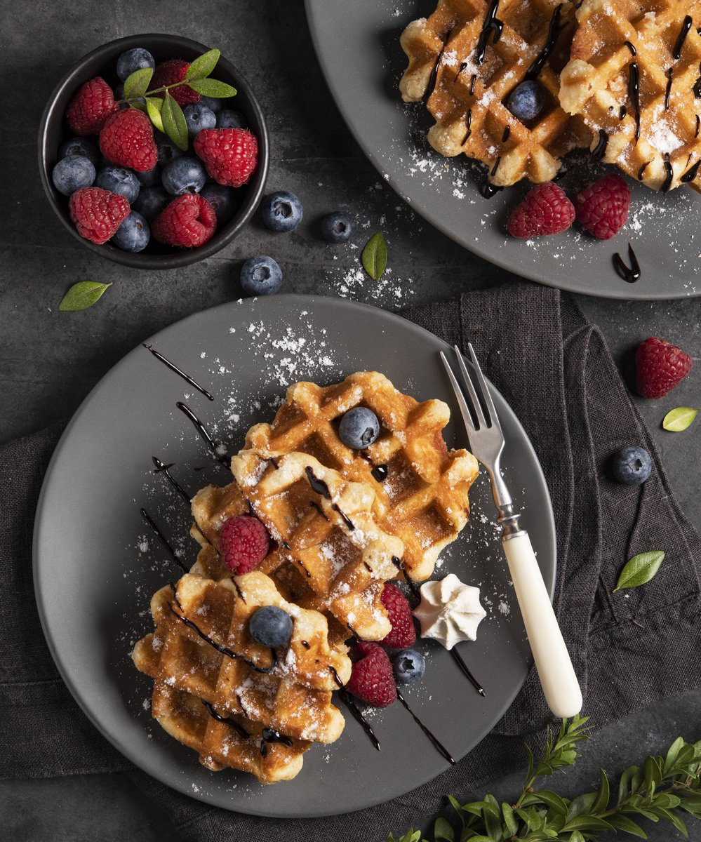 Waffling over the breakfast menu? No hesitations here, it's #WaffleDay! In 2017, Canadian households spent an annual average of $2,593 on food from restaurants, including breakfast. http://ow.ly/IKuA30ob7Ih