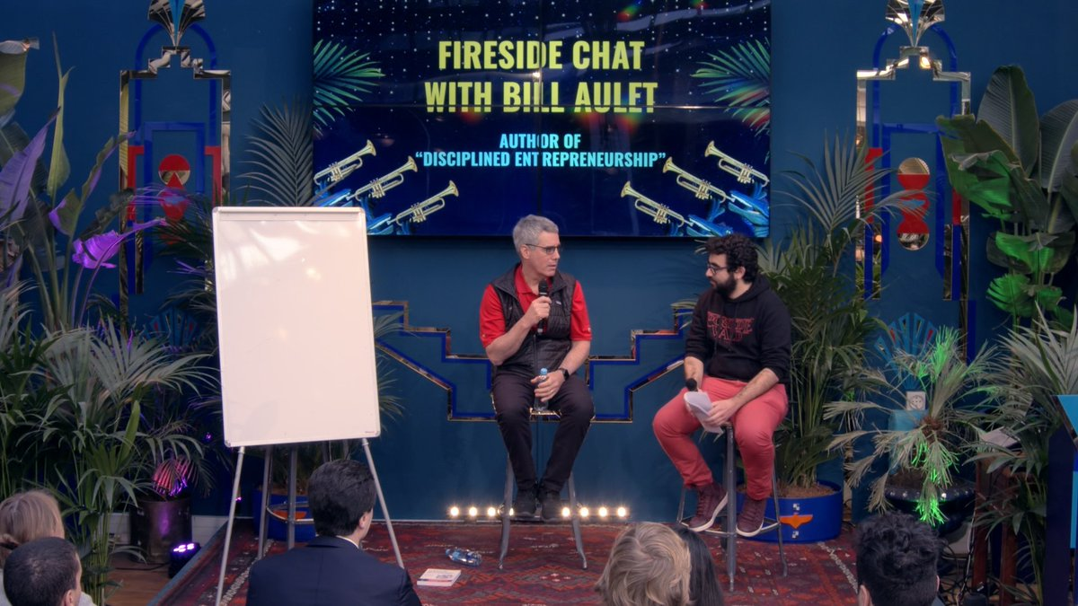 "0/ Key learnings from @BillAulet's fireside chat at @_TheFamily with @younesrharbaoui 🔥 He talked about his book ""Disciplined Entrepreneurhsip"" & gave a LOT of great tips for entrepreneurs. Thanks @jdecastries for making it happen! Check what he said below 👇"