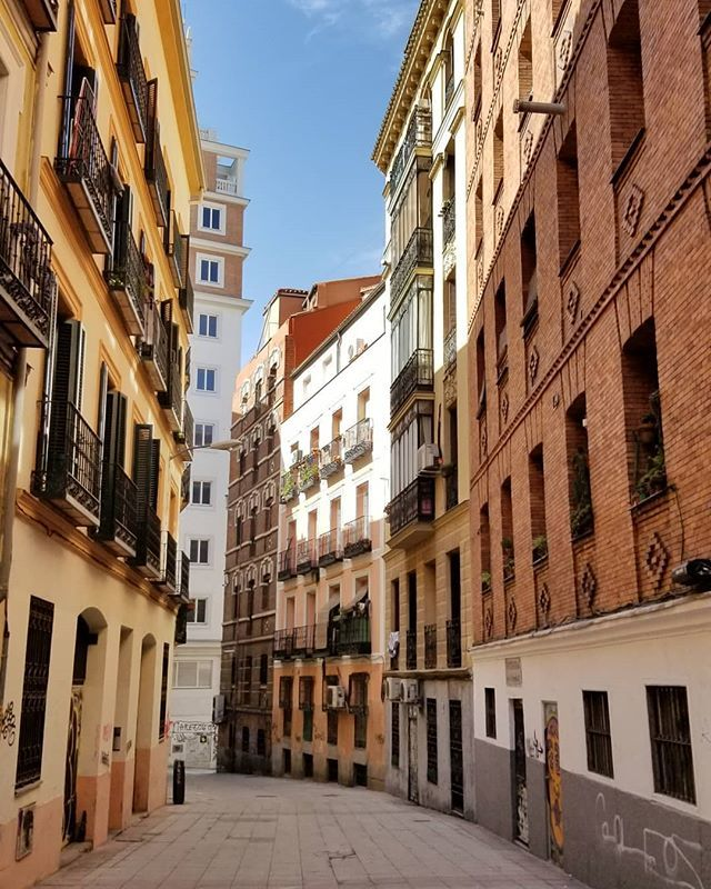 This city looks nicer than Barcelona (just my personal opinion) #madrid #spain #🇪🇸 #europe #travels #travelling #ukig #hkig https://ift.tt/2CC34N3