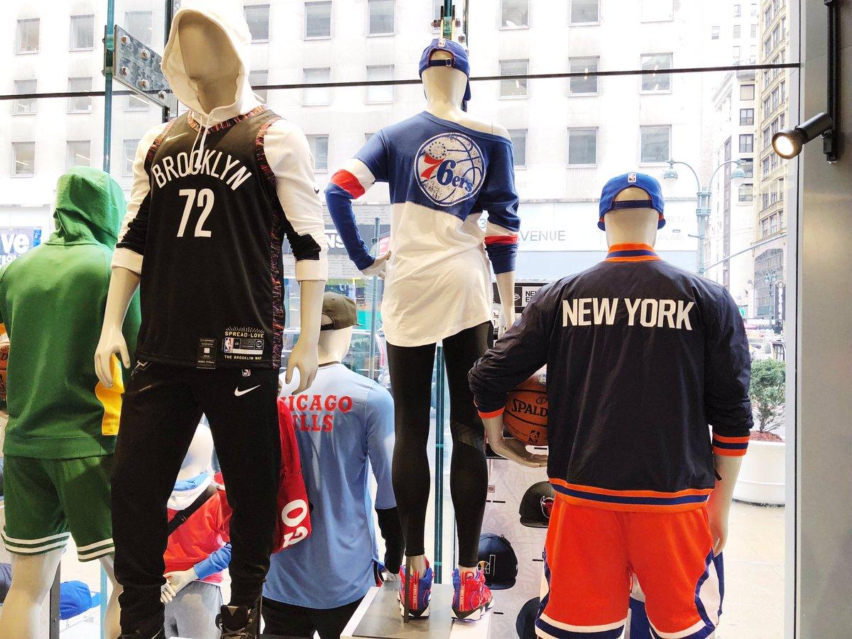 8f403fb29  NBAStoreNYCpic.twitter.com FAUS78aM3C