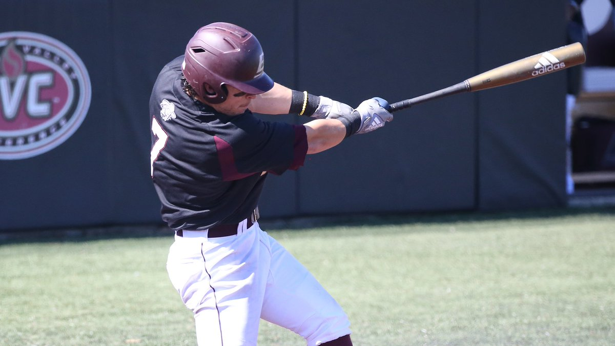 Ryland Kerr swinging bat