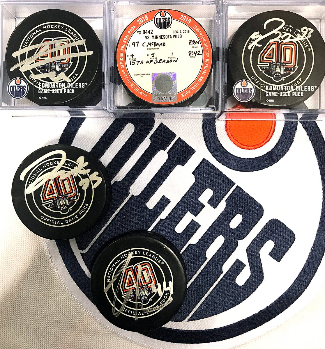 The sale will begin inside  RogersPlace s Ford Hall at 6pm (game ticket NOT  required)   then move to the concourse (ticket required).pic.twitter.com   ... f3159ef71
