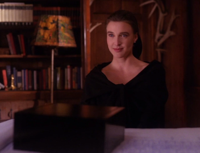 Happy birthday to Brenda Strong, who plays Jones, the female assistant of Thomas Eckhardt -