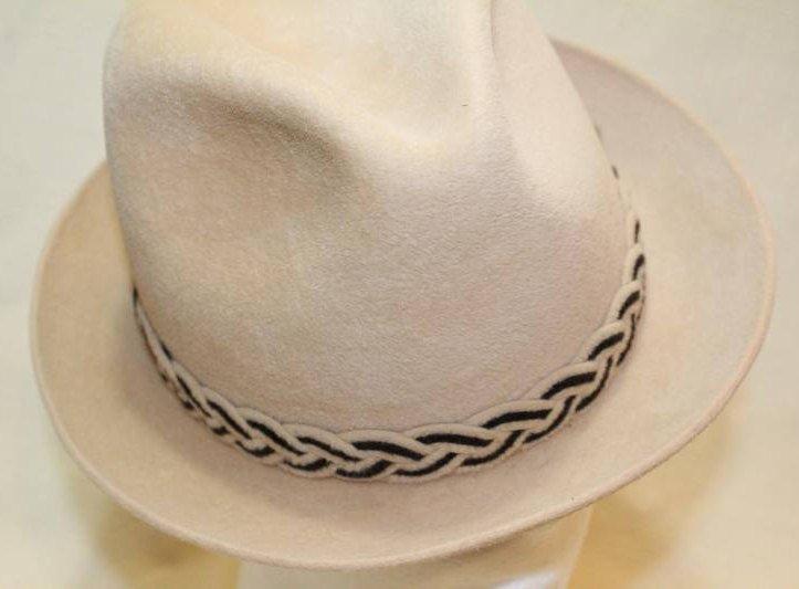 5b663bc7be90f Vintage Beige Dobbs Golden Coach Fur Felt Fedora Trilby Men s Hat Size 7  https
