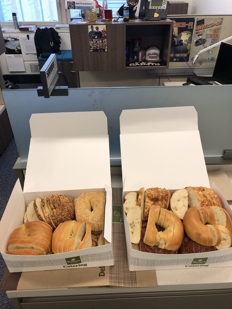 St. Louis man ignites internet fury over bagel slicing