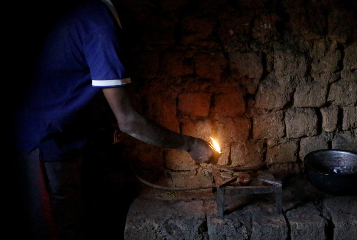 The power of poo: How biogas has become a cleaner alternative fuel in Rwanda — but is still out of reach for most https://yhoo.it/2TvWmO3