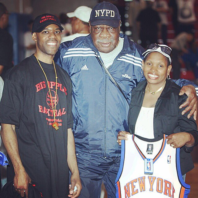 #RIP to @nyknicks legend #CalRamsey at the age of 81. Thank you for your longtime support in promoting basketball in #NewYorkCity and #BigAppleBasketball. He was also a college star locally at #NYU.
