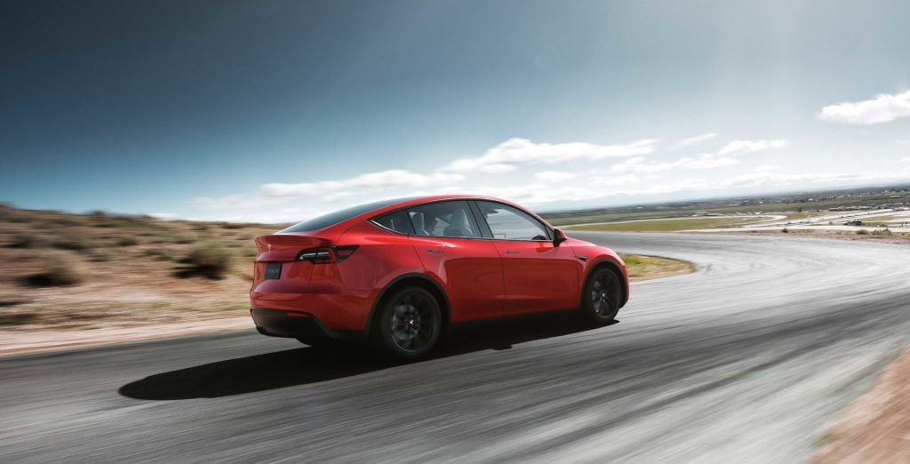 Tesla raises the price of the Model Y by up to $2,000 CAD https://t.co/RzuK4NzGtv https://t.co/oS1en6aLNG