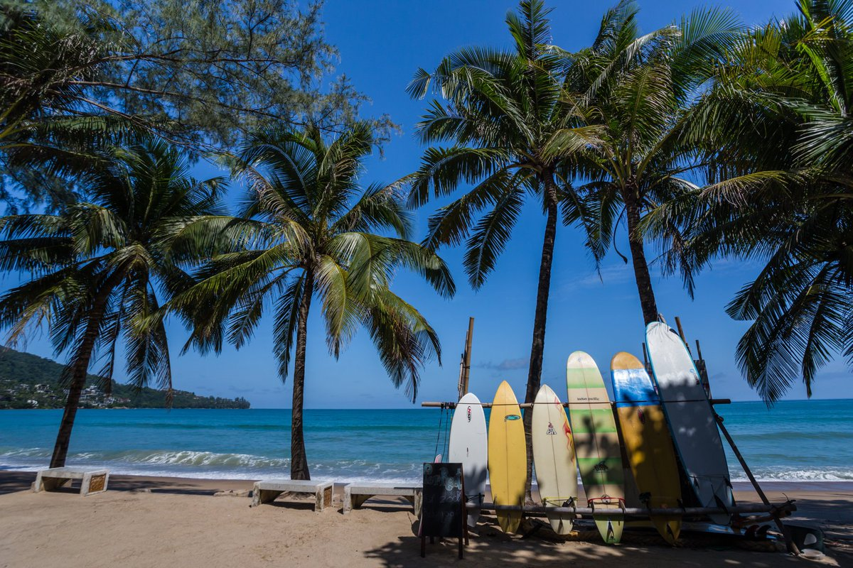 #ทุกที่มีเรื่องราว ชายหาดกะตะ ถือเป็นสวรรค์ของคนรักเซิร์ฟบอร์ดและกิจกรรมทางทะเล ตั้งอยู่ห่างจากโรงแรม ไอบิส ภูเก็ต กะตะ เพียง 5 นาที 📲สำรองห้องพัก https://t.co/xFPpIiSDt1 ☎️โทร. 02 659 2888 #OurStories Kata Beach is known as a surfer's paradise, located by the south of Phuket https://t.co/jwIEkFqrAq