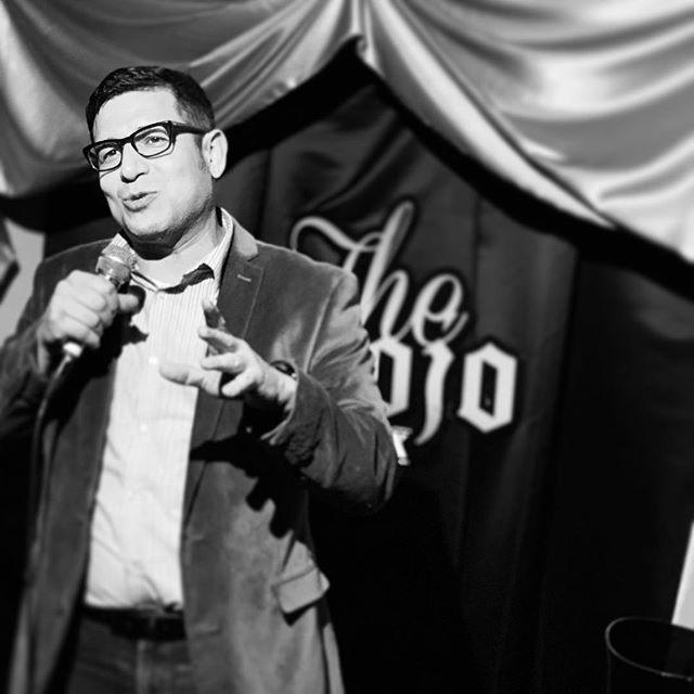 Closing out the night @showupgoupla @thedojoofcomedy @sycamoretavern #hosting #themostmisunderstoodshowincomedy #losangeles #photo by @victormartinezjr https://ift.tt/2YmMRV0