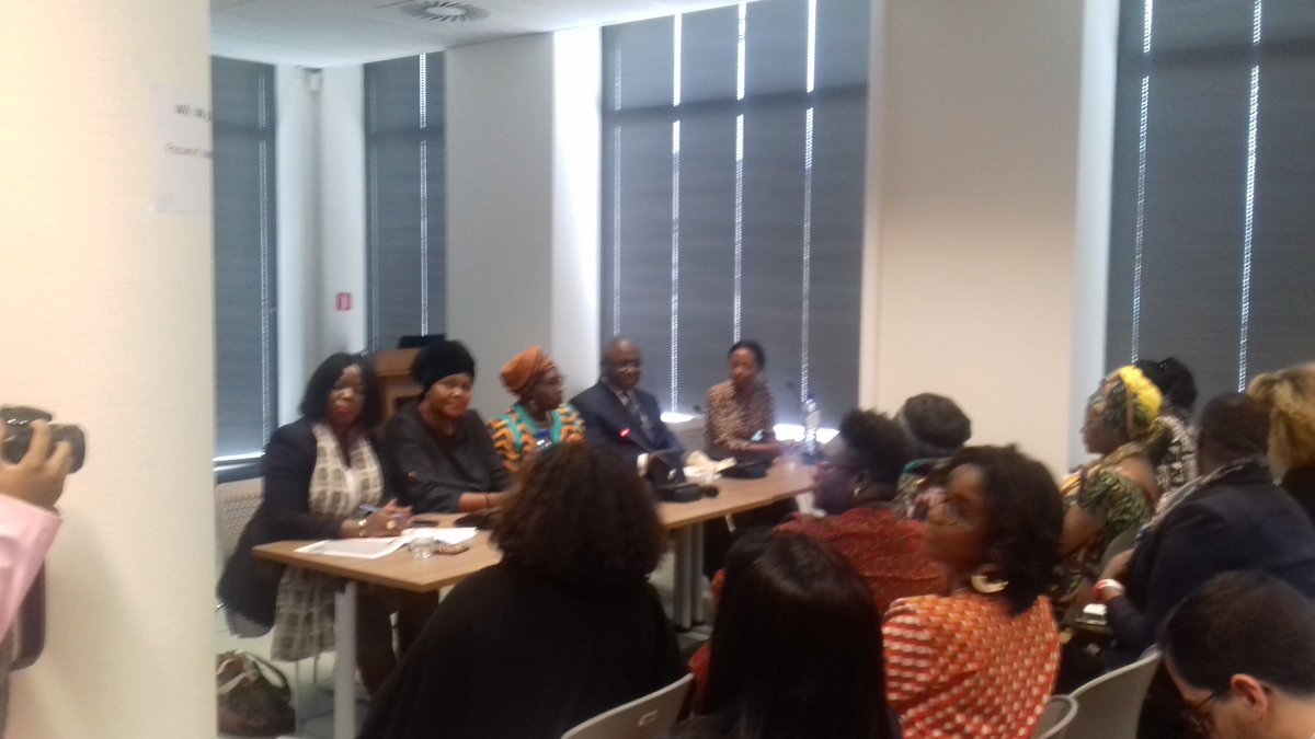 Now @WBI_tweet  the conference on Leadership of african & African descent women Now the youth are sharing what they do @RIFAD_Bel  Guest speakers are from Canada, cameroun,  Djibouti