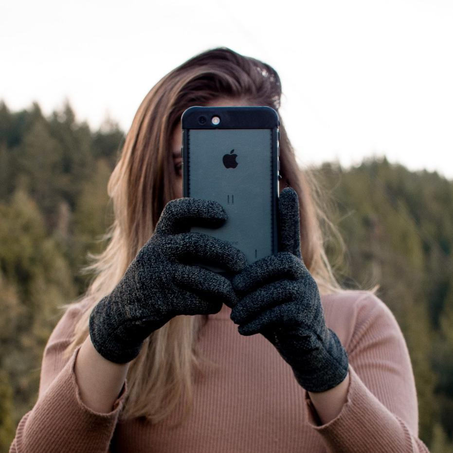 Amazing touch response along your entire hand !   🛒http://www.glidergloves.com/amazon #WinterAccessories #TouchScreenGloves #GetOutside #WinterGloves #Sale #TouchGloves #OnlineShopping #SmartPhoneGloves #AmazonSales #BestSeller #FreeShipping #MarchDeals