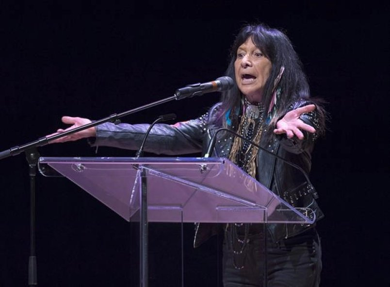 #BuffySainteMarie getting Canadian #Songwriters Hall of Fame honour | Delta Optimist https://t.co/LDlg2hDaFT https://t.co/ghudOqz8Y6