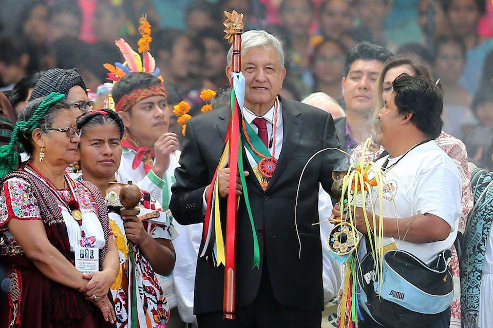La #Spagna non sa fare i conti col passato. Il presidente del #Messico in una rispettosa lettera chiede che faccia ammenda per la Conquista, la spada e la croce. Il re rifiuta di rispondere, il governo fa l\